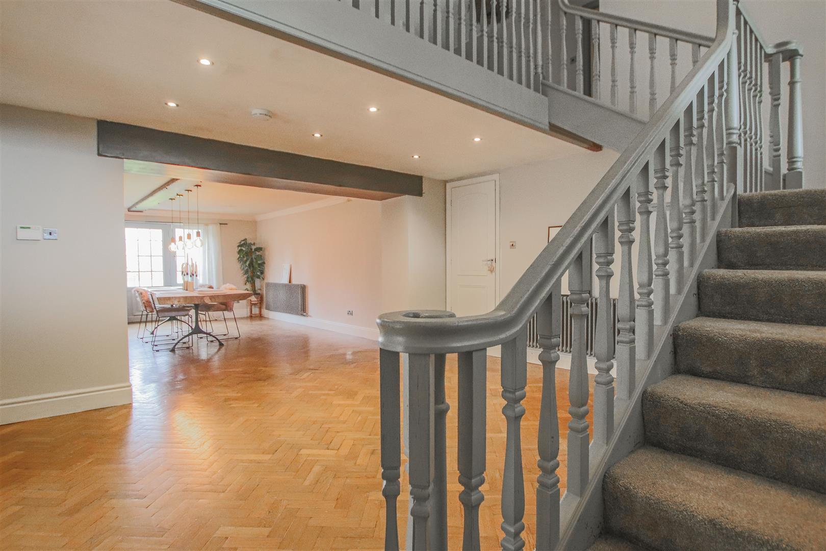 6 Bedroom Barn Conversion For Sale - 4.JPG